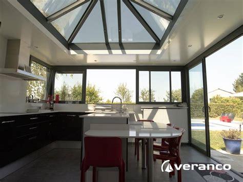cuisine dans veranda photo véranda cuisine une véranda pour agrandir sa cuisine
