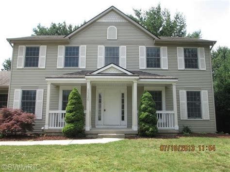 Kentwood Michigan Reo Homes Foreclosures In Kentwood Country Kitchen Tiles Ideas Affordable Islands Pictures Of In Small Kitchens Ceiling Light Bed Bath And Beyond Appliances Extra Large Island Best Value Floor Vinyl