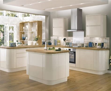 howdens cuisine bayswater gloss ivory kitchen contemporary kitchens