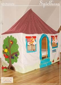 Zelt Kinderzimmer Nähen : spielhaus und betthimmel diy zelte und h user f r kinder selbermachen pinterest spielhaus ~ Markanthonyermac.com Haus und Dekorationen