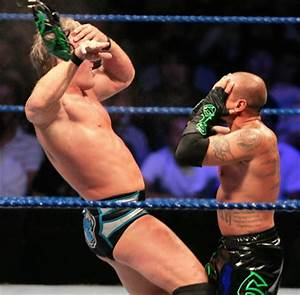 PHOTOS: Mysterio's Mask Falls Off During Match This ...