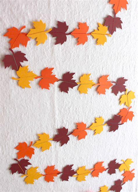 quick fall leaf garland allfreeholidaycraftscom