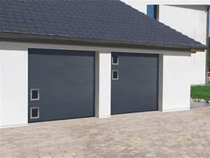 Porte de garage sur mesure porte de garage motorisee for Grande porte garage