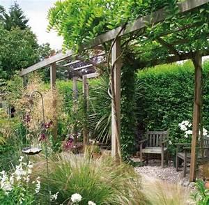 Pergola Mit Wein Bepflanzen : kleingarten anlegen kletterpflanzen und kiesboden haus naturnaher garten kletterpflanzen ~ Eleganceandgraceweddings.com Haus und Dekorationen