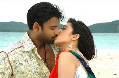 south actress hot lip lock kissing images kambi