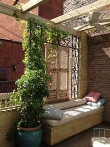 kletterpflanzen balkon 26 ideen für balkon sichtschutz verschiedene sichtschutzmöglichkeiten
