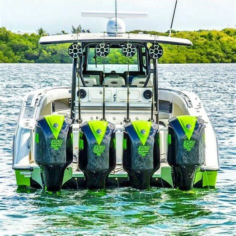 Fast Boat With Engine by Best 25 Fast Boats Ideas On Pinterest Speed Boats Zoom