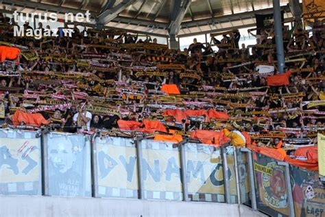 Sportmob covers the match stats for dynamo dresden vs hansa rostock on april 04, 2021 include latest team standings and head to head, news & live action. Foto: SG Dynamo Dresden bei Hansa Rostock - Bilder von SG ...
