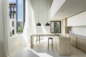 Minimalist Interior Design : minimalist interior design of the cube apartment designed by arjaan de feyter caandesign ~ Markanthonyermac.com Haus und Dekorationen