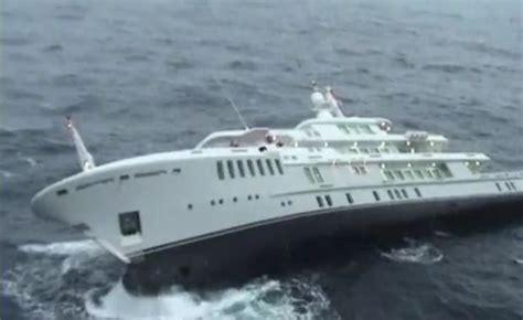 sinking  superyacht yogi