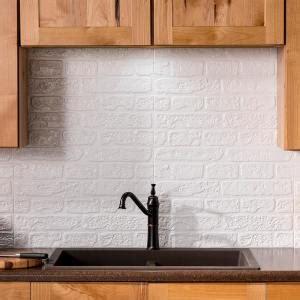 fasade brick      vinyl backsplash