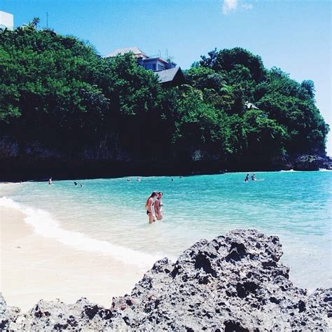 places  indonesia youll find white sand beaches