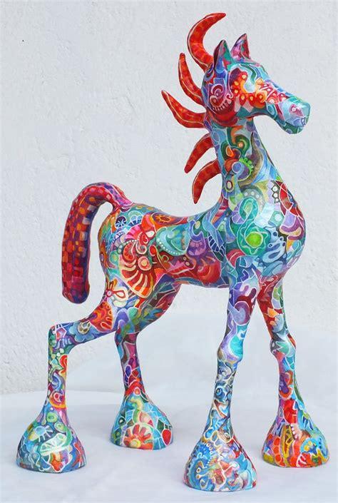 horse bumazhnye skulptury khudozhestvennye kukly