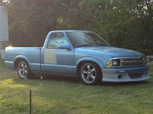 Sell Used 1997 Chevrolet Chevy S10 Custom Pickup Truck
