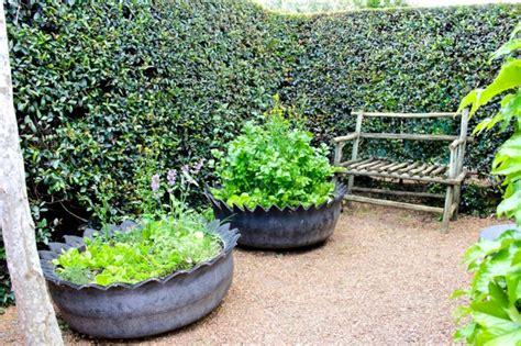 Kreative Gartentipps Pflanzencontainer Aus Alten Autoreifen