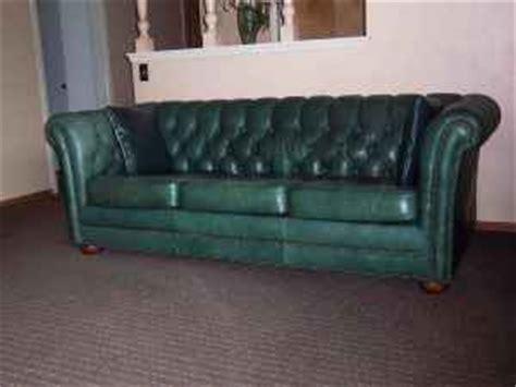chesterfield sofa craigslist modernhaus decorating with craigslist vintage 39 s