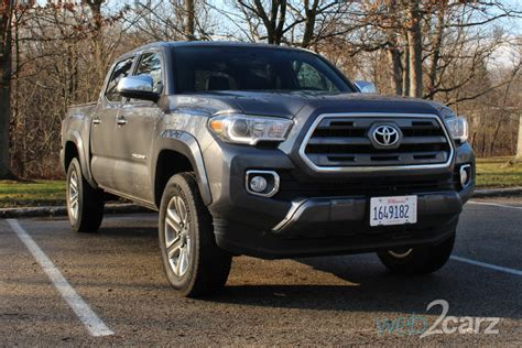 toyota tacoma limited  review webcarz