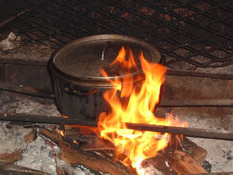 cuisiner au feu de bois cuisine au feu de bois apt wraste com