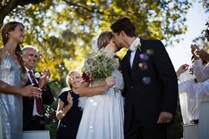 Dresscode Hochzeit Gast : hochzeits dresscode darf ich als gast schwarz tragen stylebook ~ Yasmunasinghe.com Haus und Dekorationen