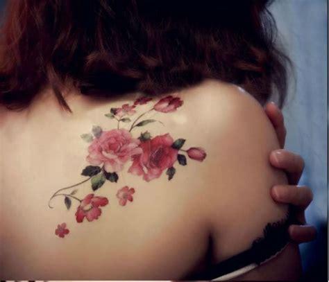 tatoeage bloem 25 beste idee 235 n over schouder bloemen tatoeage op