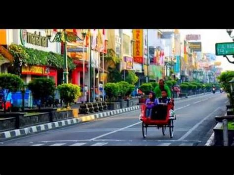 gambar foto wisata belanja  jalan malioboro yogyakarta
