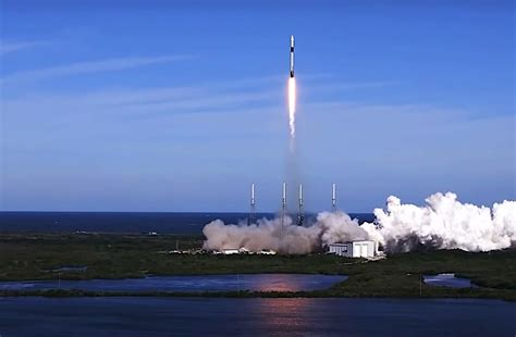 SpaceX Sends Another Dragon with Supplies to Space ...