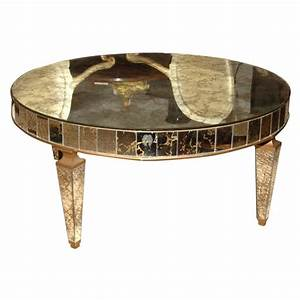 A 195039s round mirrored cocktail table at 1stdibs for Mirrored circle coffee table