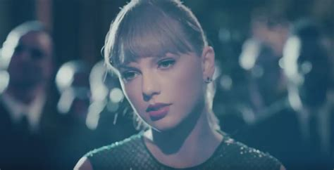 Taylor Swift Drops New 'delicate' Video