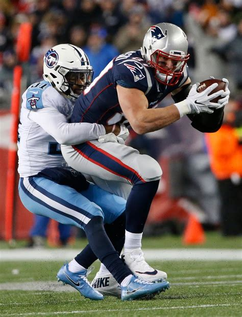 Patriots beat Titans 35-14 to head back to AFC title game ...