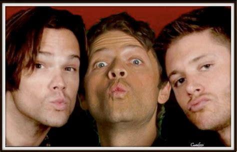 Supernatural Photo: kisses to fans | Supernatural funny ...