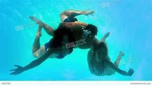 Pin Swimming-underwater-people on Pinterest