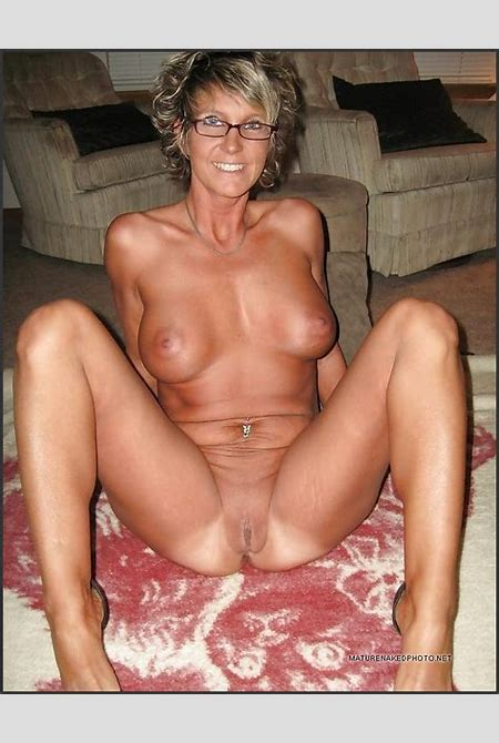 Bored at home MILFs having sexual fun erotic pics. Photo #4