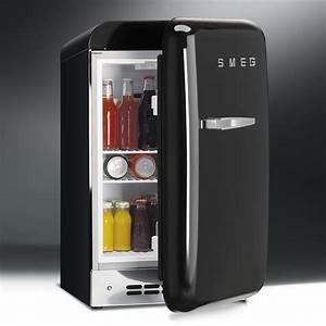 Frigo Compact : image gallery tiny refrigerator ~ Gottalentnigeria.com Avis de Voitures