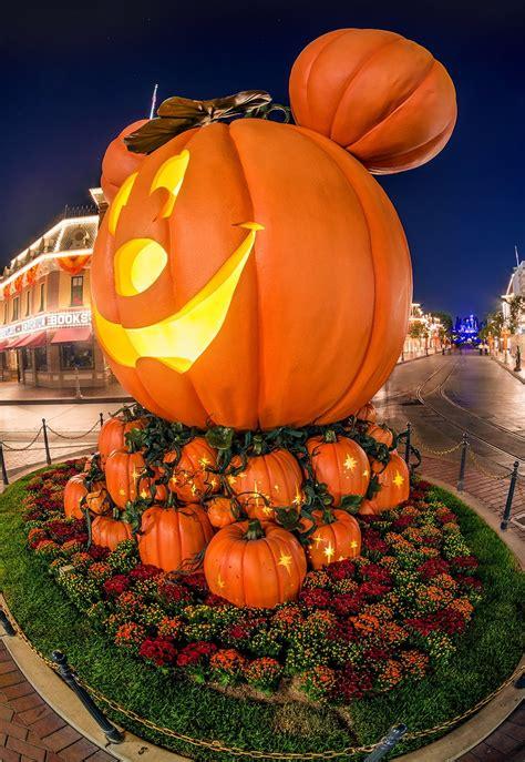 mickeys halloween party  disneyland tips disney