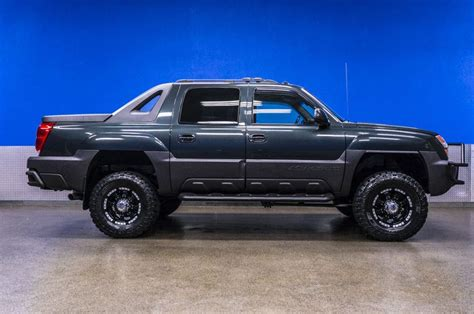 jeep avalanche 25 best ideas about avalanche truck on pinterest truck