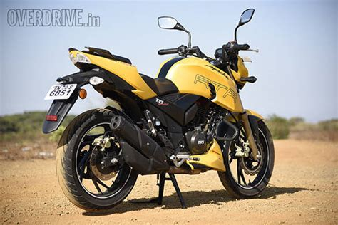 Review Tvs Apache Rtr 200 4v by 2016 Tvs Apache Rtr 200 4v Road Test Review Overdrive