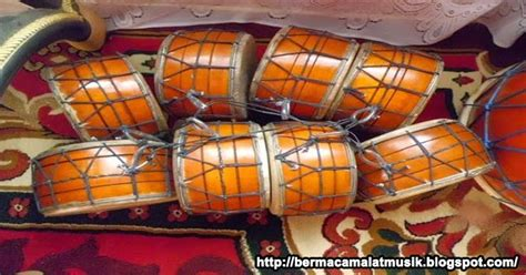 Dinamakan dengan alat musik tradisional sebab dibuat dan berkembang pada suatu daerah setempat. Pengertian Marwas Alat Musik Tradisional