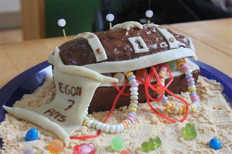 gateau coffre de pirate pousse pousse cuisine coffre de g 226 teau d anniversaire