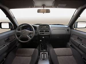 Nissan Np300 Pickup Double Cab Specs  U0026 Photos