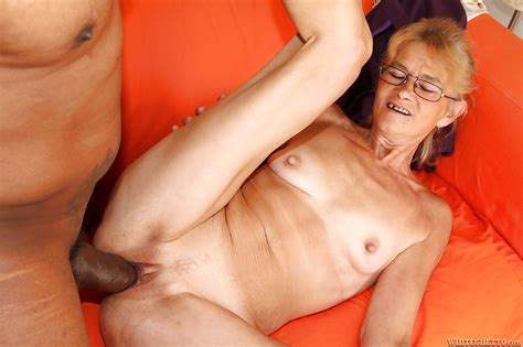 Sassy Granny In Glasses Gets Her Pussy Licked And Cocked