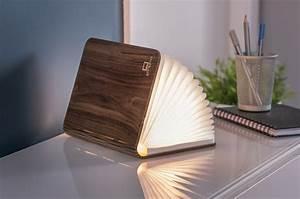 Sichtzäune Aus Holz : buch als lampe holz mit led licht aufladbar cultous ~ Watch28wear.com Haus und Dekorationen