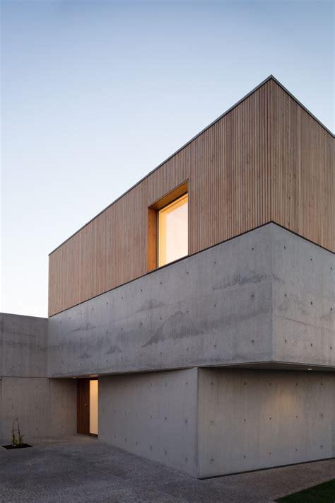 Beton Holz Fassade by Nu Ma Family House Avanca 5 A F A S I A