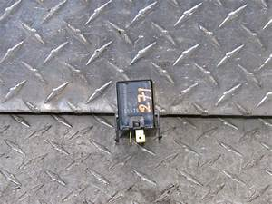 05 Hyundai Accent Turn Signal Flasher Relay 95550