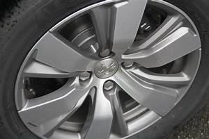 Jantes Peugeot 2008 : essai peugeot 2008 1 2 e vti 82 etg5 3 pattes et 1 boulet ~ Maxctalentgroup.com Avis de Voitures