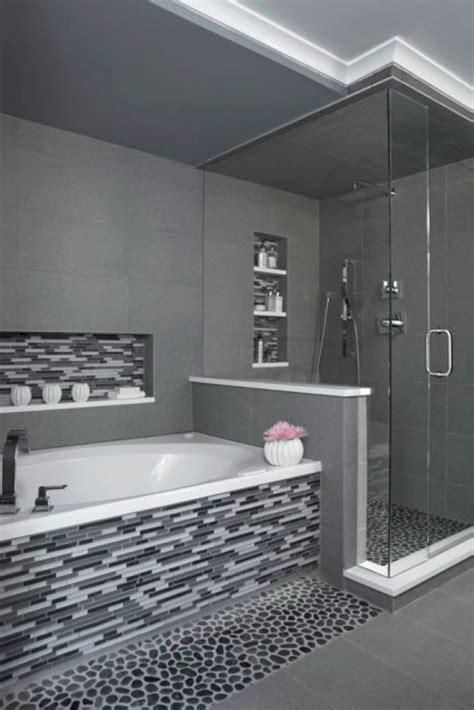 Best Master Bathroom Designs by Best 25 Modern Master Bathroom Ideas On Grey