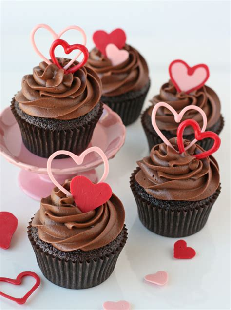 day cupcakes creative or not yummy and creative valentines day cupcakes