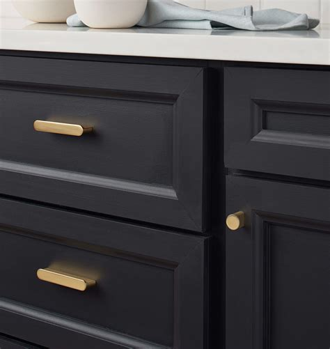 kitchen cabinet hardware trends the best kitchen trends for 2018 29 design studio 5471
