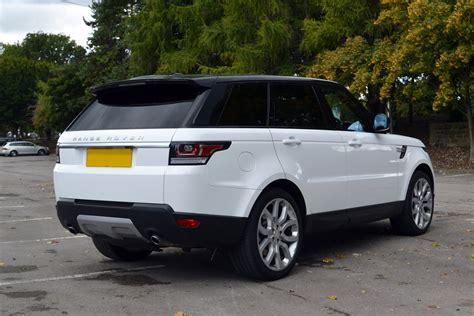 Range Rover Vogue  Gloss White Wrap  Reforma Uk