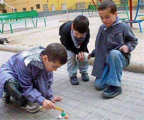 Los niños a partir de 8 años podrán tirar petardos según ...
