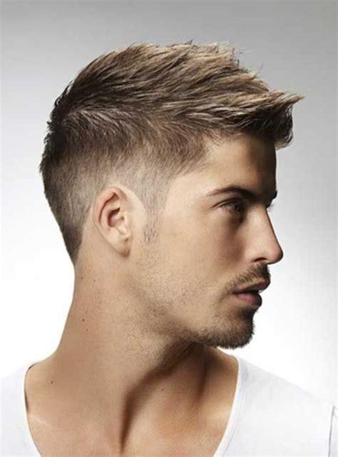 coiffure homme moderne cheveux marron coupe cheveux